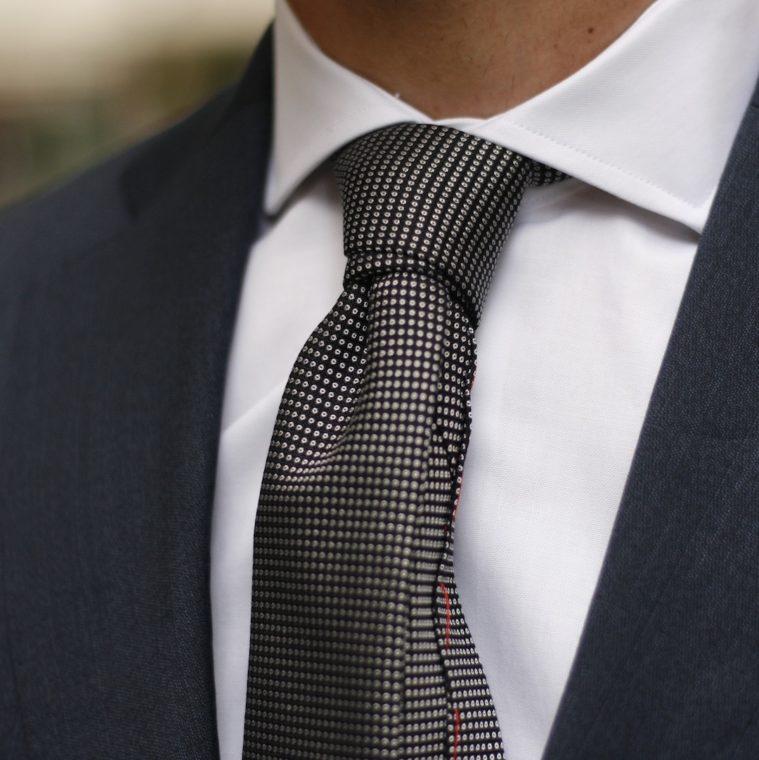 cravate-grise-1